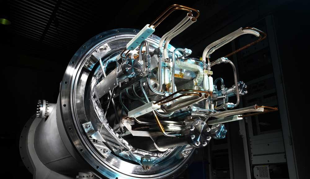 Magnetspulen mit THEVA Pro-Line lassen sich mit günstigem Flüssigstickstoff kühlen und sind wenig anfällig für Quench.